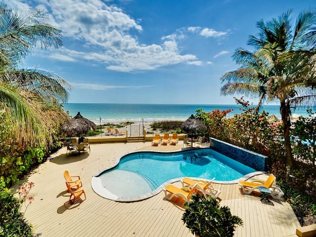 Sugar Sands Beachfront Retreat   On the Beach with Brand New Pool 2442