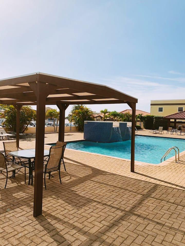 Aruba Breeze Single Room w/Pool -Eagle Beach