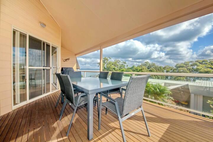 Moy at Nelson Bay, 2/30 Thurlow Avenue