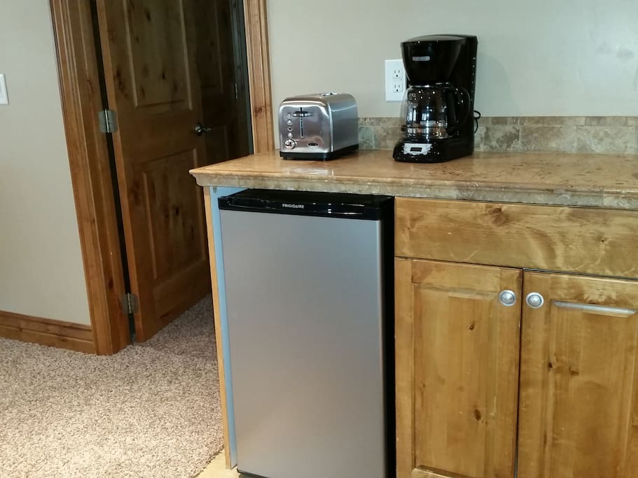 Kitchenette w/ sink offers a cold fridge, coffee maker, toaster, microwave, dishes & silverware. I provide fresh fruit and a loaf of bread. Partially stocked pantry, as well. Make a request for items (boiled eggs)