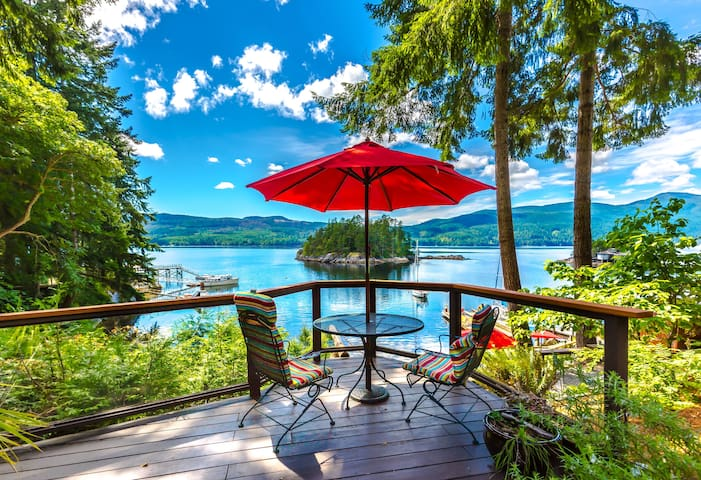 Luxury Oceanview Suite, Hot Tub, Fire, SUP, Kayaks
