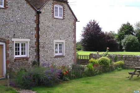 Lovely Cottage in Chilgrove, Nr Chichester - Chilgrove - Ház