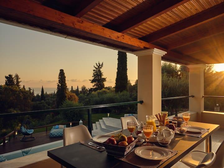 Villa Castelletto & Spa Sea View with Heated pool