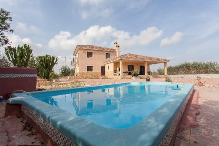 a Large Familiy Poolvilla with a lot of Privacy