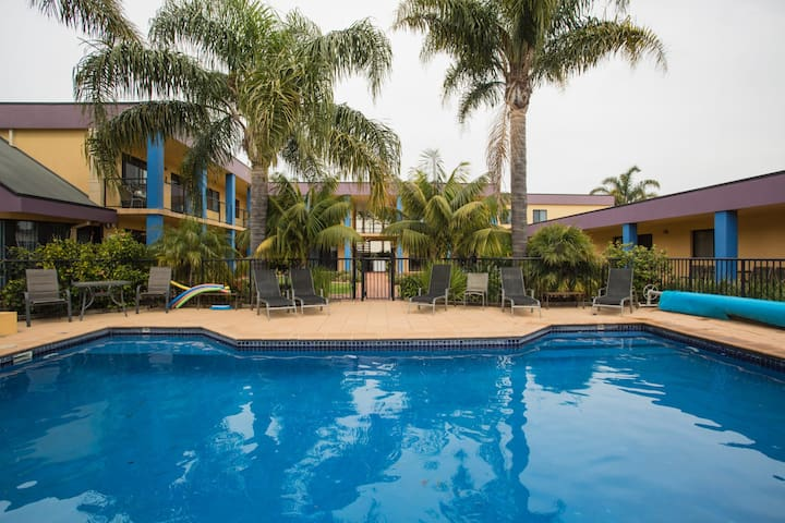 Merimbula By The Sea - Great complex with lush gardens and swimming pool
