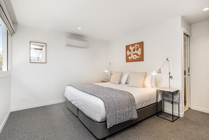 The Norfolk Bayshore Drive (Room 3)