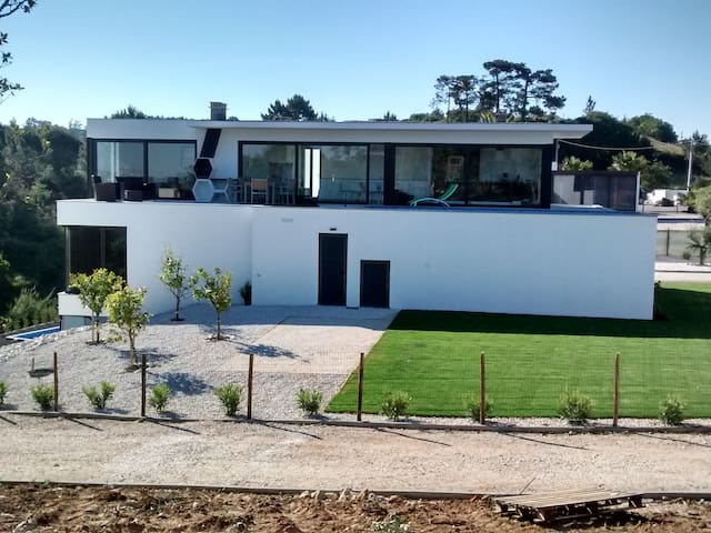 Modern quiet villa near Nazare,  pool, all comfort