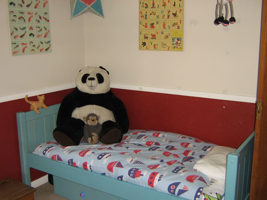 One of the single bedrooms