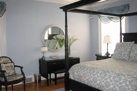 Main Inn Room