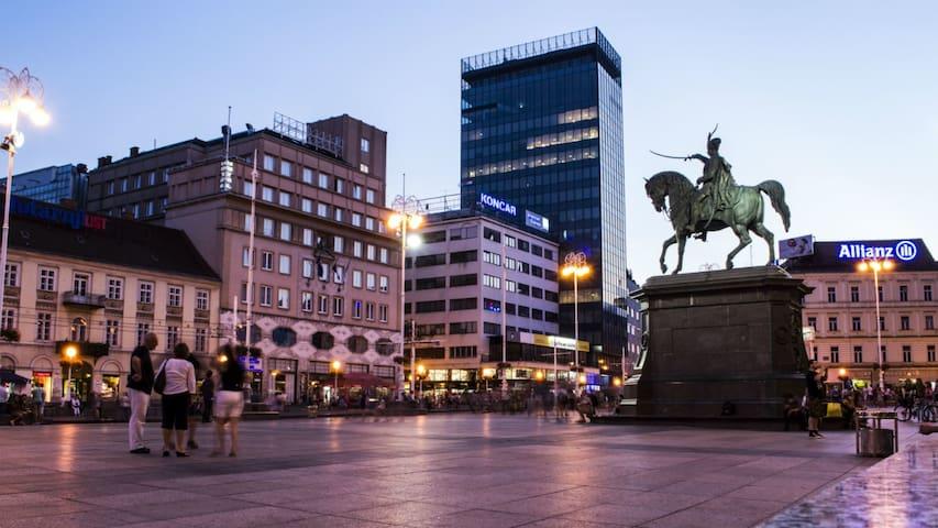 Zagreb, Centar, near the main square,for.4.person.