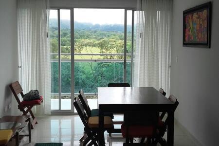 Apartamento con hermosa vista, tranquilo y seguro