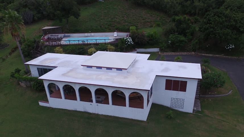 Hibiscus House - Christiansted - Casa