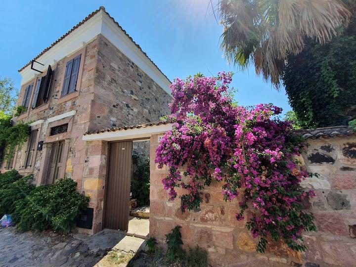 Lovely Stone House in Cunda w/ 3BD