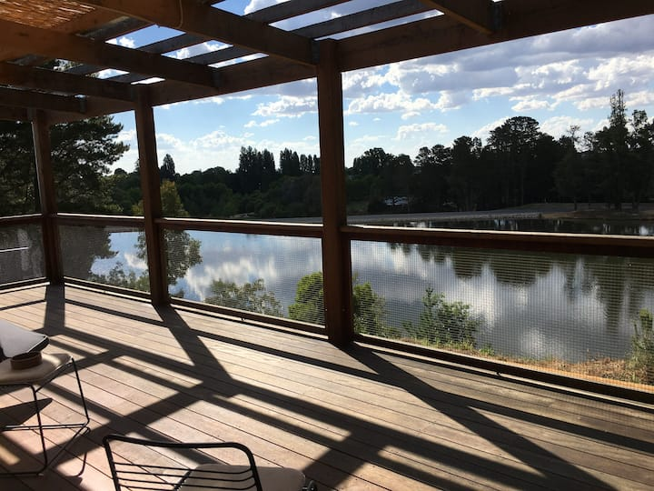 The Lakehouse Beechworth. Absolute Lake Frontage.