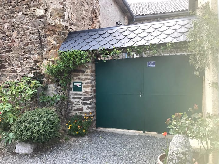 L Apartē, à la frontière du Tarn et de l'Aveyron