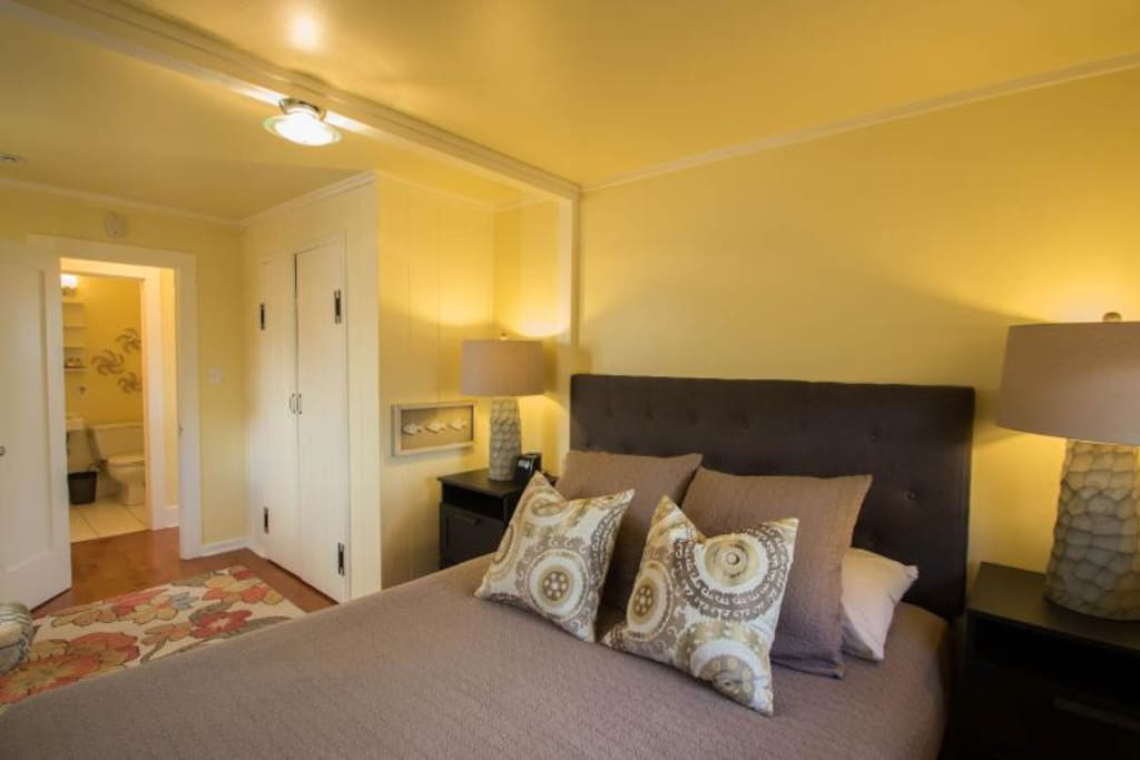 Sunset Cottage - master bedroom is super-comfortable: with tempur-comfort mattress and plush linens.