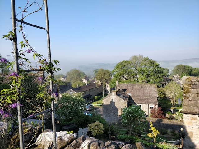 Rock House Cottage, views, village and walks