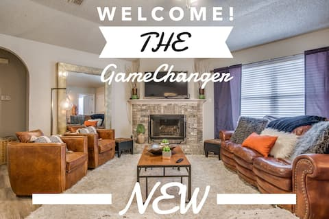 BOOK THE *GAMECHANGER*ALL NEW* 5 mi to TTU*4 Beds