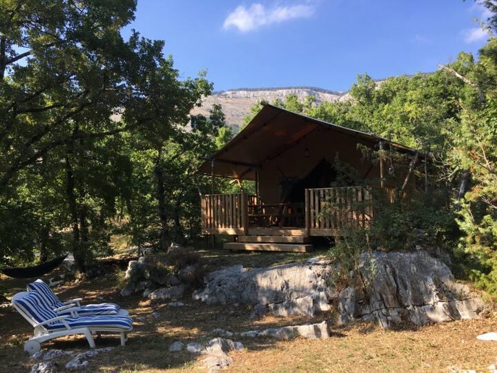Lodge toilé en pleine nature sur la Route Napoléon