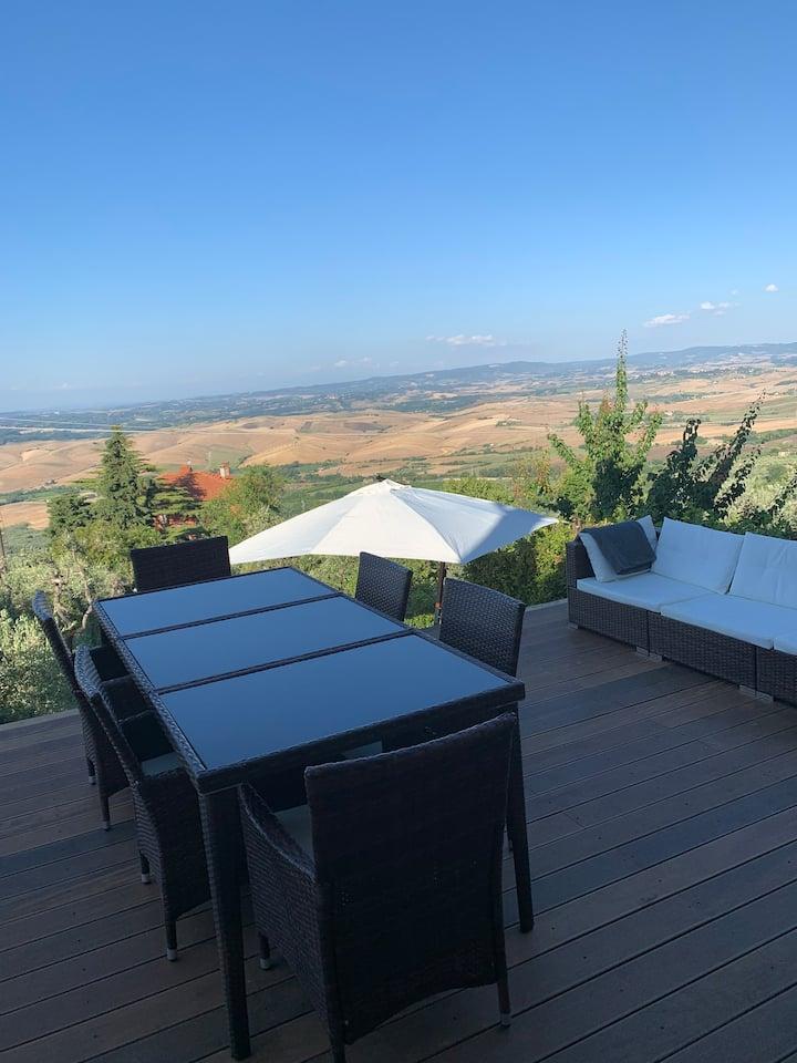 Helt byhus 100 m2 med terrasse og panorama udsigt