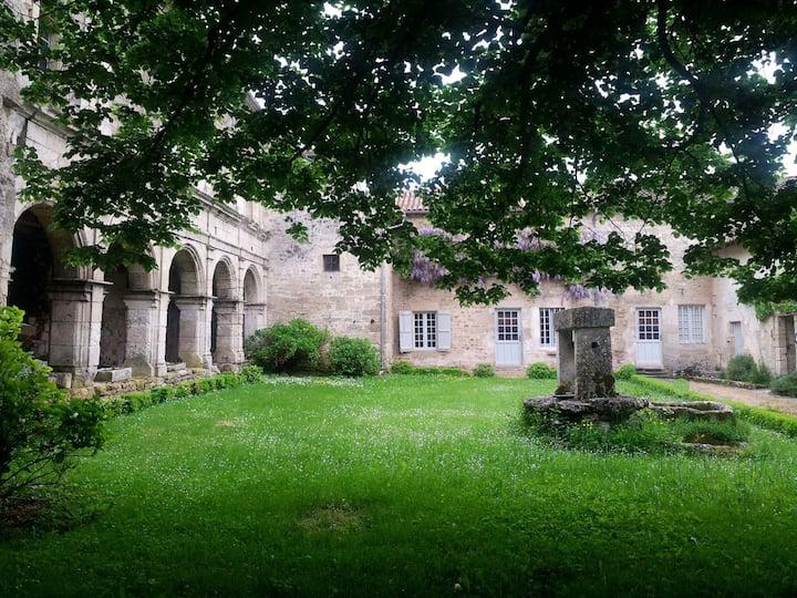 Prieuré Saint Barthélémy