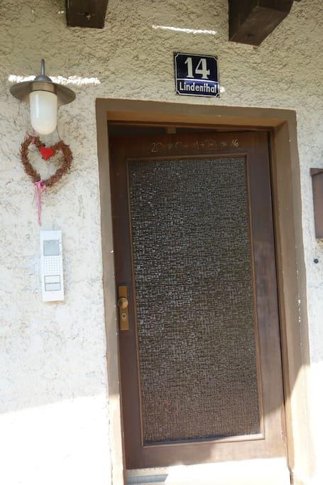Eingangstüre // entrance