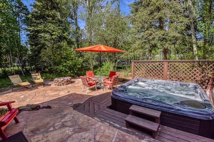 Central Hot-Tub Garden House