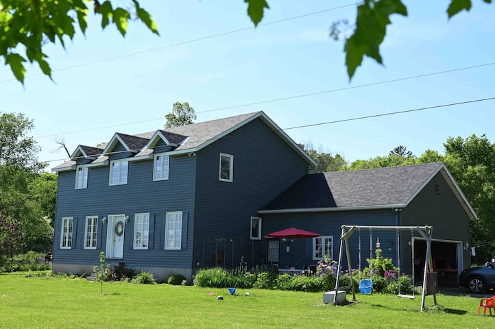 Adventurous or quiet, enjoy a farm stay with us!