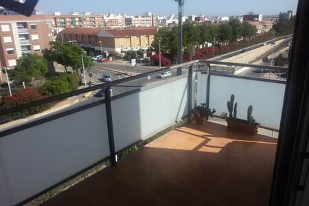 4th floor sunny appartment, great terrace & views - Manises - Diğer