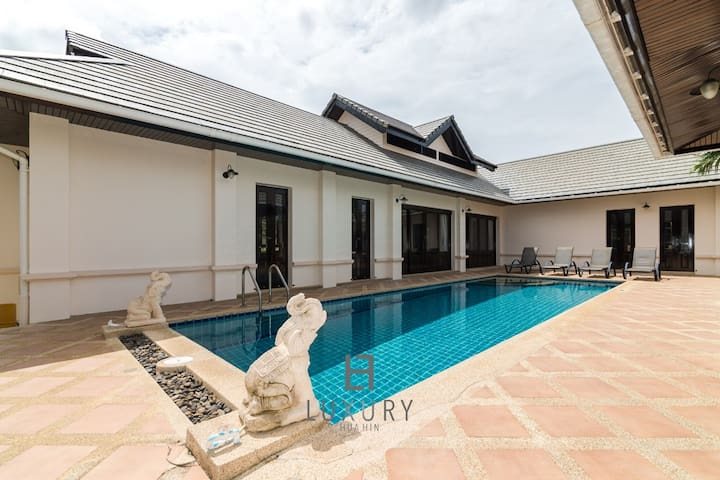 4 bedroom private bali style villa