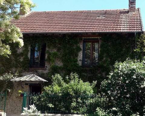 2 Rooms Bed&Breakfast in a cute old House ...