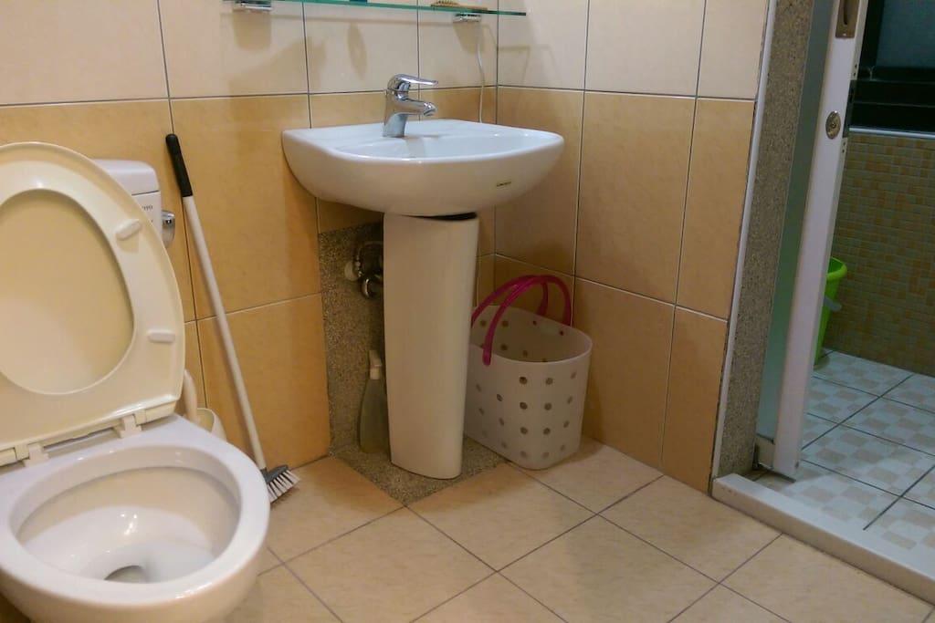 房間內衛浴