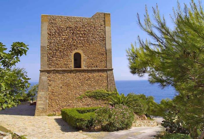 VILLA TORRE DEL DRAGO - Castel di Tusa - Casa