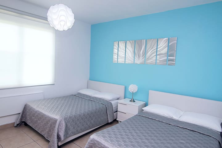 Second Bedroom: 2 Full Size Beds