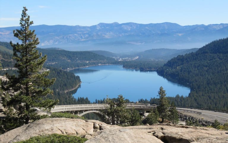 Cozy Donner Lake Cabin - Truckee - Srub
