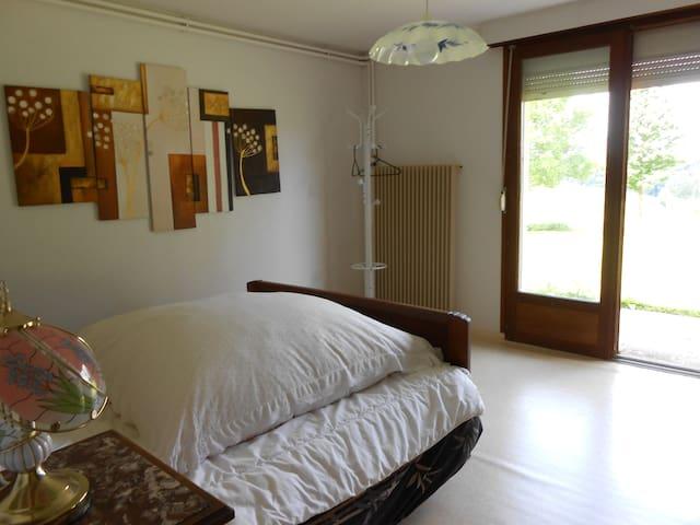 Chambre agréable en Ardennes - Grandchamp - Huis
