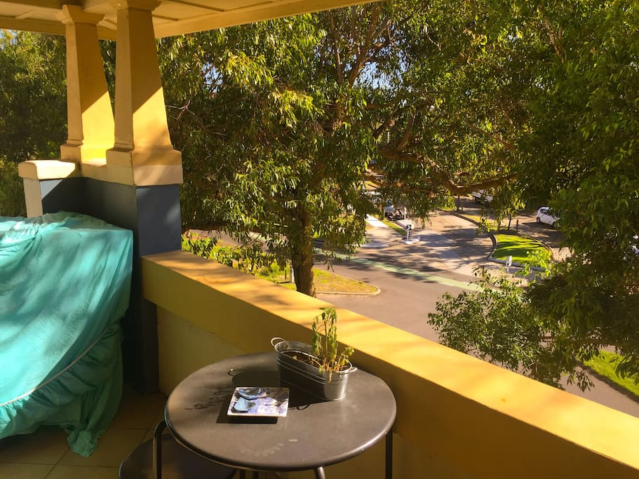 Balcony to hang dry laundry and enjoy breakfast with under the trees.