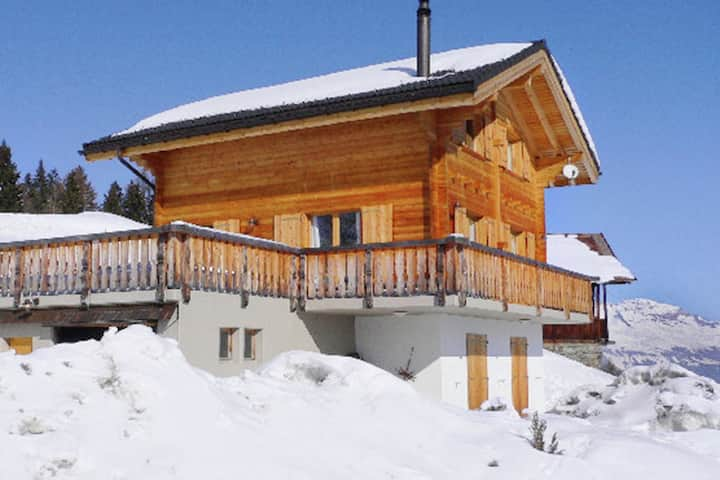 A luxurious 6 person chalet with superb view.