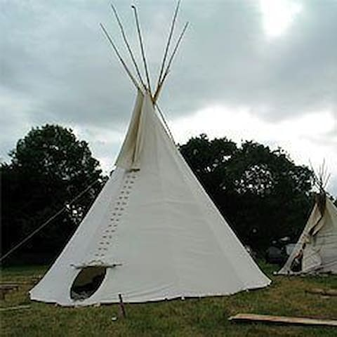 Temple Tipi Glamping/Camping by Mt. Rainier