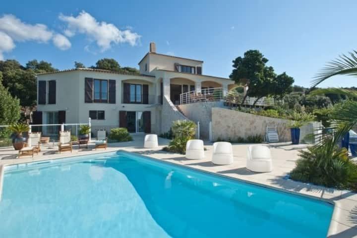 Villa avec vue imprenable sur le golf d'Ajaccio