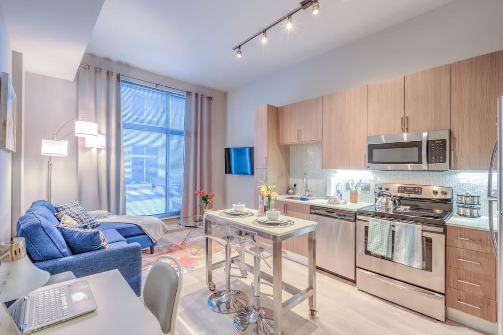 Everything you need from a gourmet kitchen, desk area w/WiFi & printer to the living room with sofa bed and 4k TV