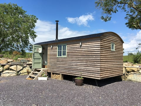 Cosy Shepherds Hut on a small holding
