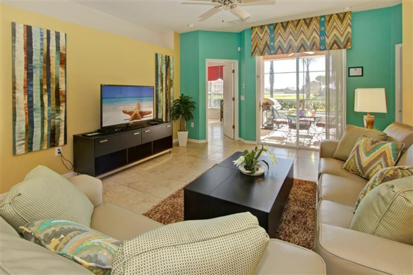 Close to Disney! Beautiful 4 bedroom house south facing pool