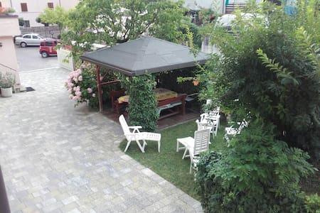 Excellent location in the center of Caldonazzo - Caldonazzo - Appartement