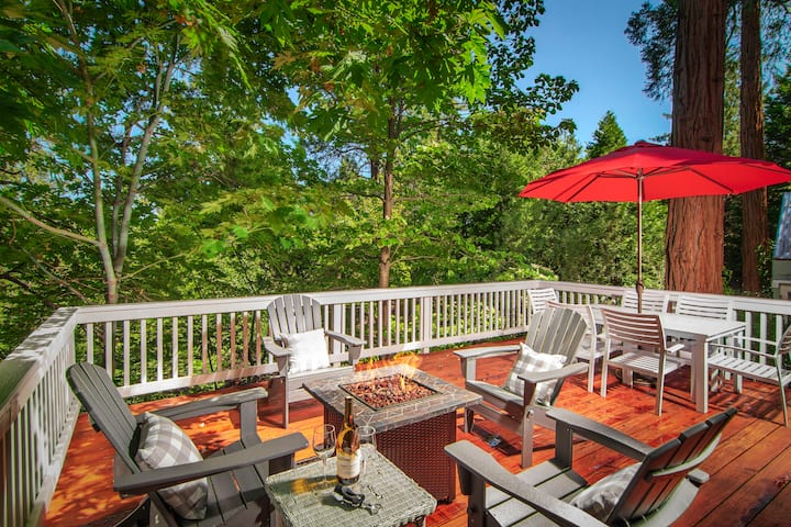 Cherry  Cottage with Two Sundecks ~Dog friendly!