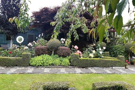 Cottage Garden Cabin