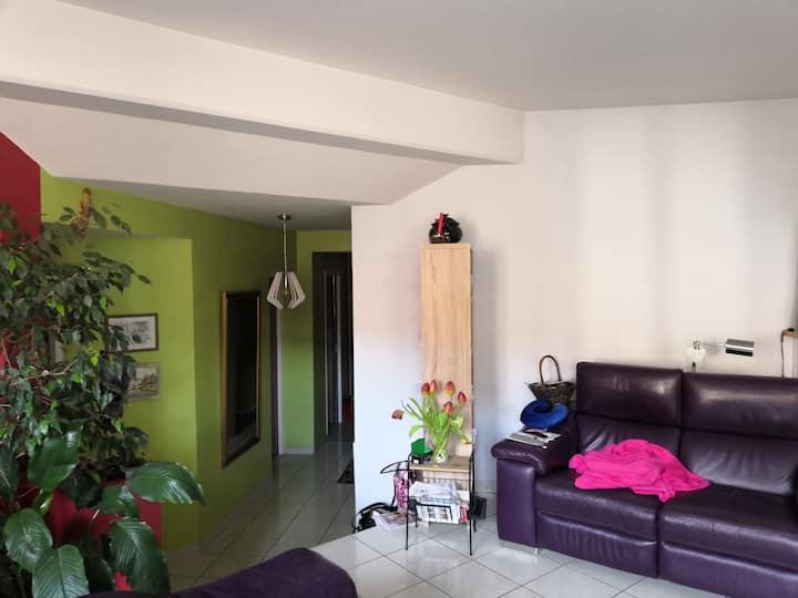 appartement rénové dans une maison de village