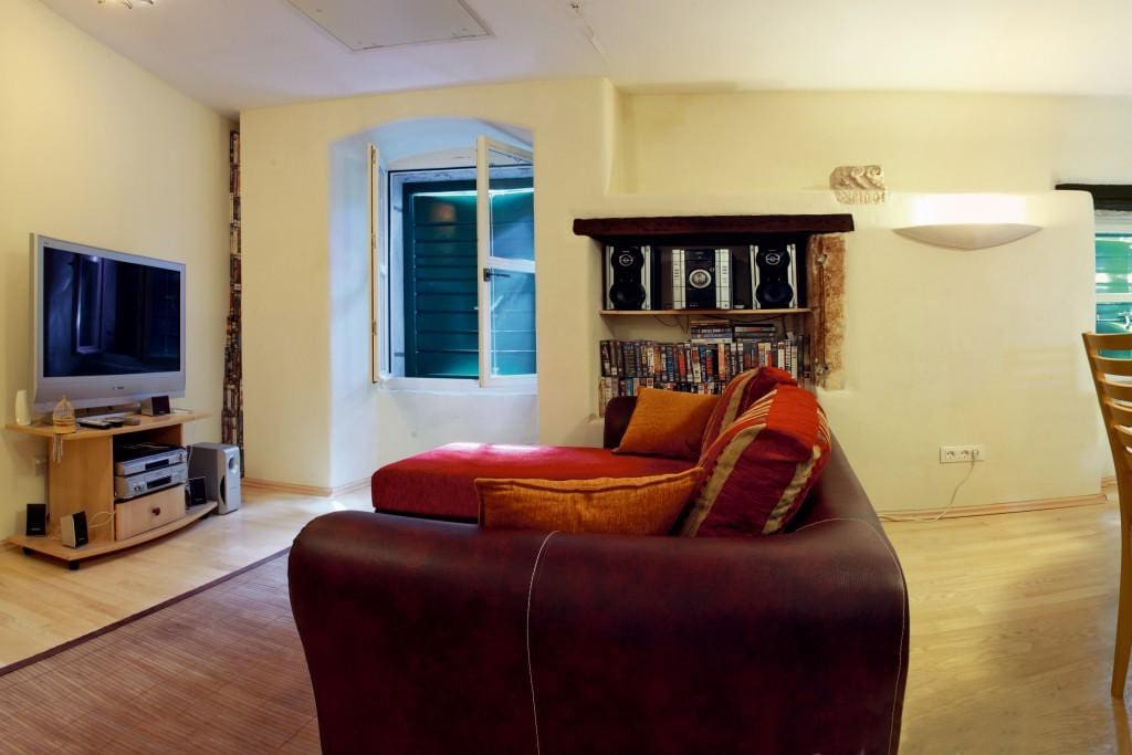 Living room 1, Surface: 12 m²