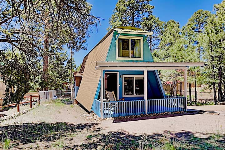 Sparkling-Clean 2 Bed/1 Bath A-Frame w/Fireplace