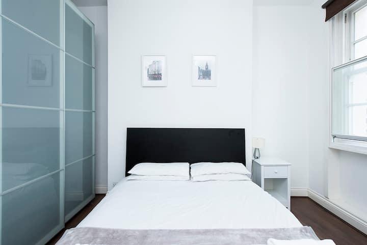 Soho Central Apartment F1